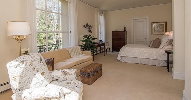 Arden Wood guest room